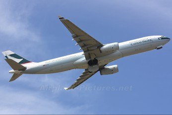 B-LAI - Cathay Pacific Airbus A330-300