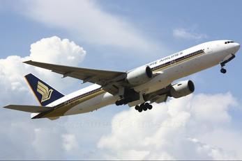 9V-SRH - Singapore Airlines Boeing 777-200ER