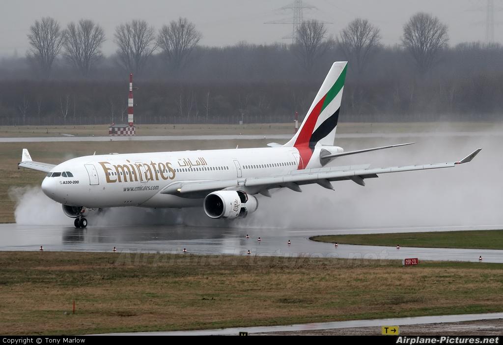 Emirates Airlines A6-EKS aircraft at Düsseldorf