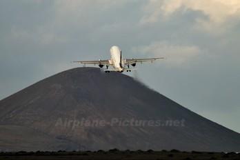 EC-IPI - Spanair Airbus A320