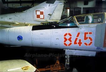 845 - Poland - Air Force Mikoyan-Gurevich MiG-23UB