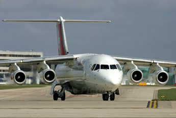 HB-IYO - Swiss British Aerospace BAe 146-300/Avro RJ100