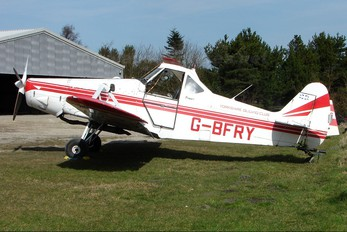 G-BFRY - Private Piper PA-25 Pawnee