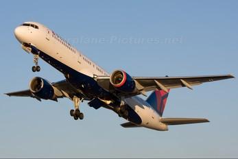 N640DL - Delta Air Lines Boeing 757-200