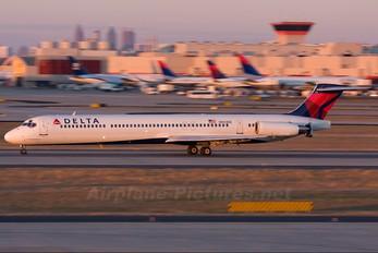 N903DE - Delta Air Lines McDonnell Douglas MD-88