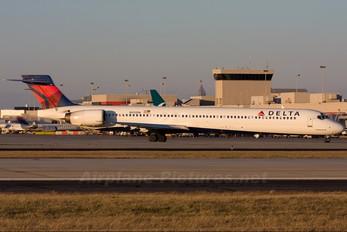 N912DN - Delta Air Lines McDonnell Douglas MD-90