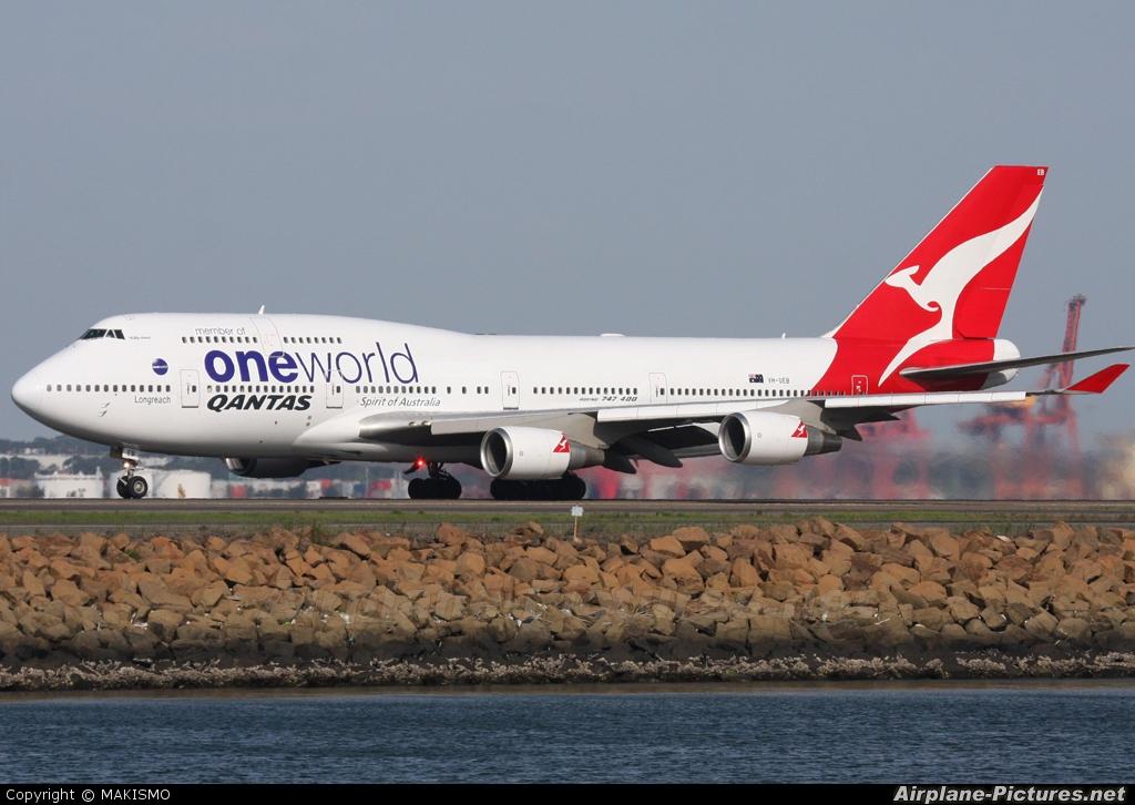 QANTAS VH-OEB aircraft at Sydney - Kingsford Smith Intl, NSW