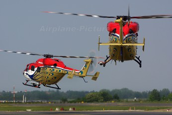 J4050 - India - Air Force: Sarang Display Team Hindustan Dhruv