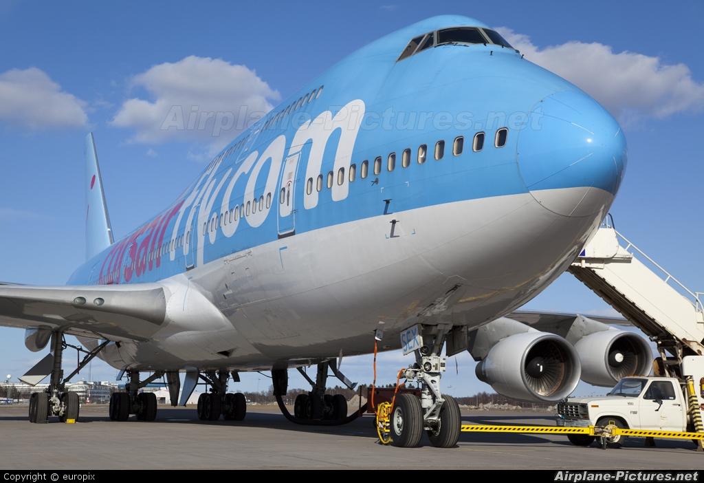 Lufthansas new Boeing 7478I Flight  Interior