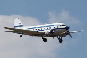 ZS-CAI - Skyclass Douglas DC-3