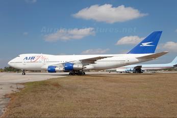 J2-KCV - Air Plus Comet Boeing 747-200
