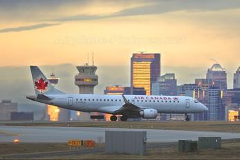 C-FHLH - Air Canada Embraer ERJ-190 (190-100)