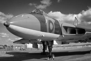 XJ823 - Royal Air Force Avro 698 Vulcan B.2