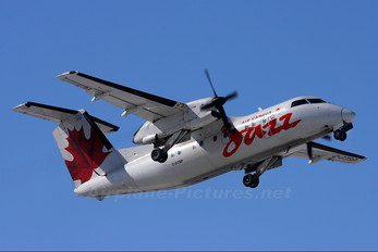 C-GTBP - Air Canada Jazz de Havilland Canada DHC-8-100 Dash 8