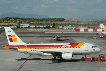 EC-KEV - Iberia Airbus A319