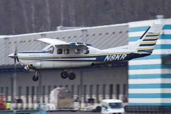 N8KR - Private Cessna 210N Silver Eagle