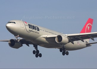 N854NW - Northwest Airlines Airbus A330-200
