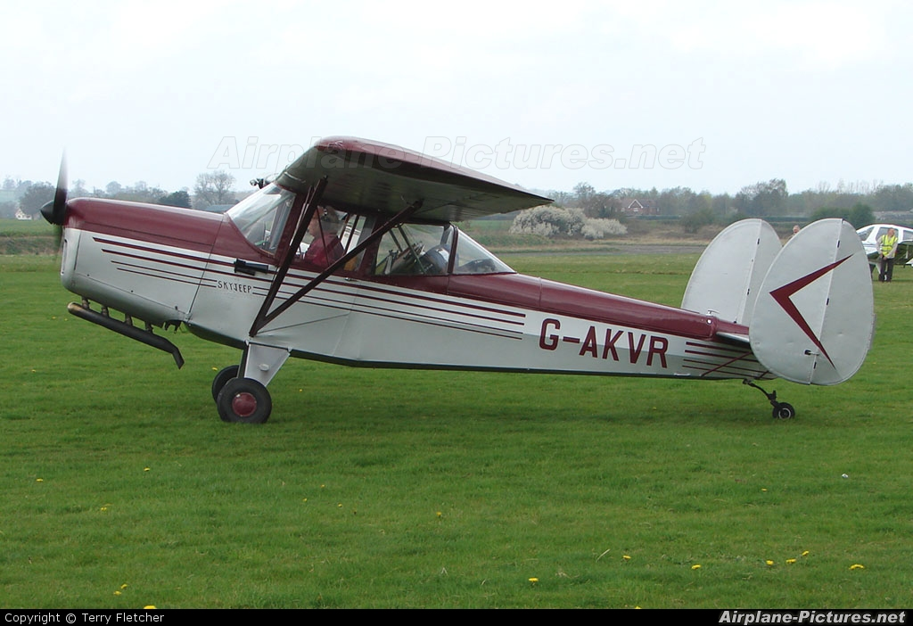 Private G-AKVR aircraft at Wolverhampton - Halfpenny Green