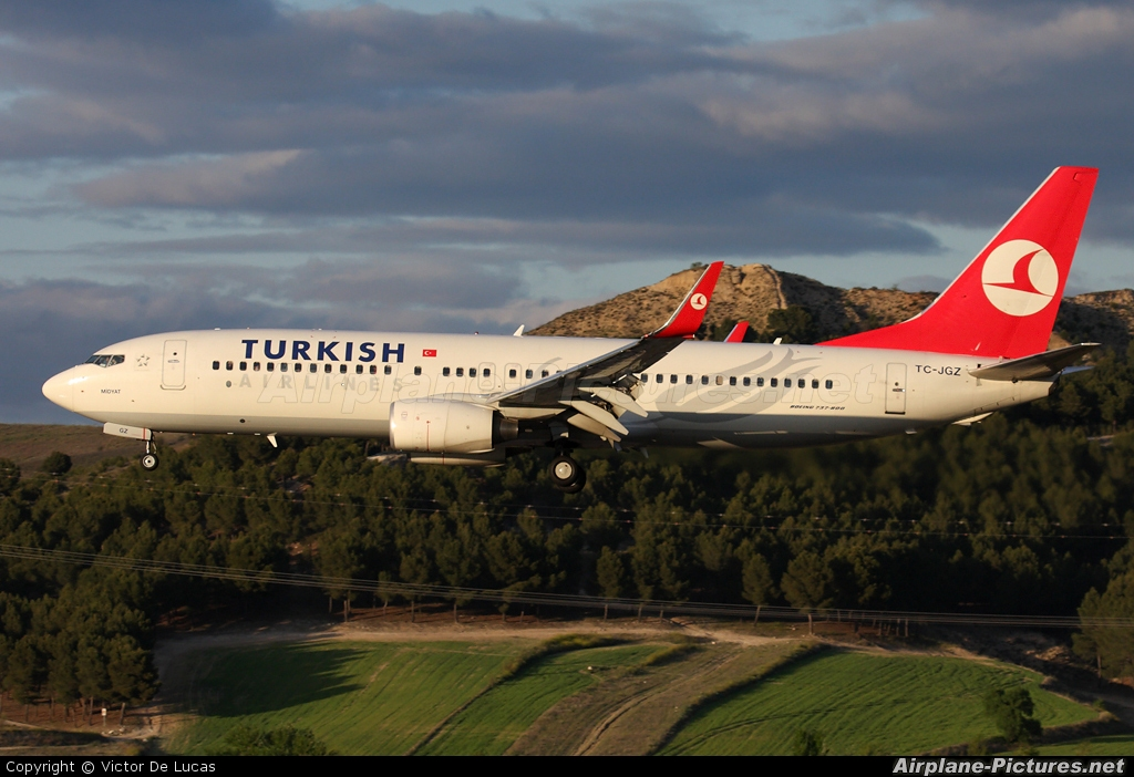 Turkish Airlines TC-JGZ aircraft at Madrid - Barajas
