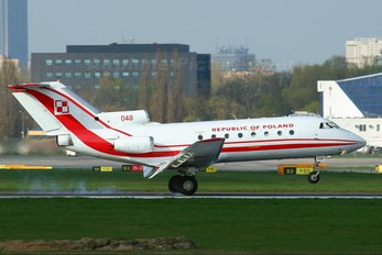 048 - Poland - Air Force Yakovlev Yak-40
