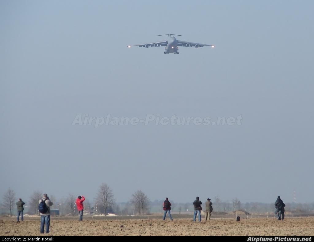 USA - Air Force 69-0015 aircraft at Prague - Václav Havel