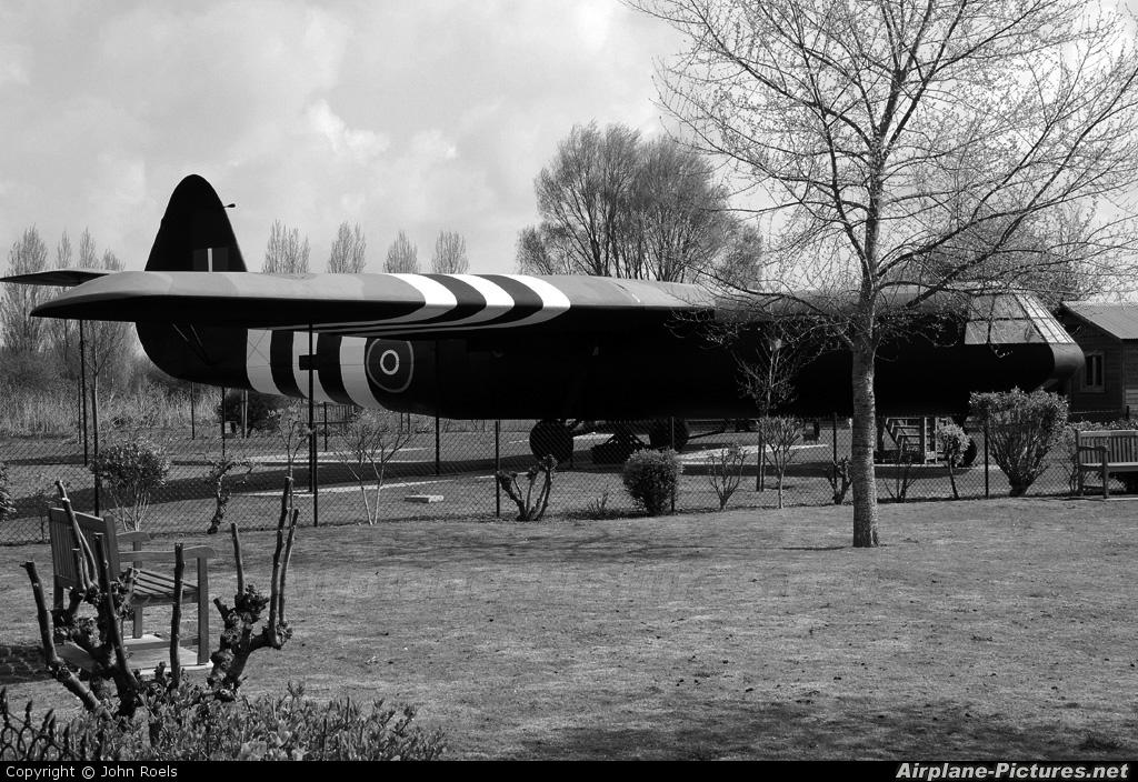 Royal Air Force - aircraft at Off Airport - France
