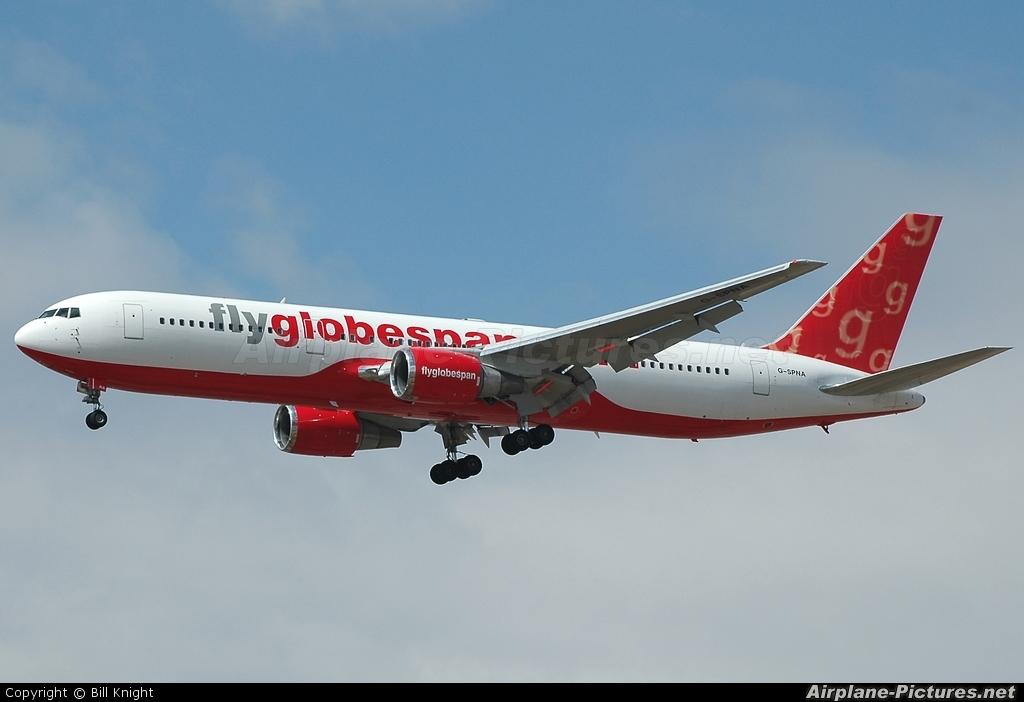 Flyglobespan G-SPNA aircraft at Calgary Intl, AB