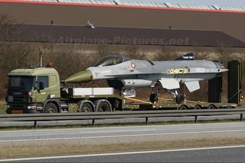 E-176 - Denmark - Air Force General Dynamics F-16A Fighting Falcon