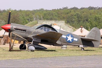 - - Private Curtiss P-40 Kittyhawk IV