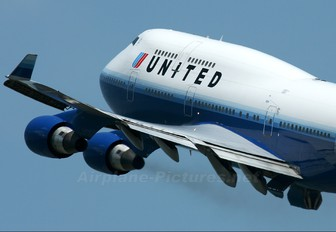 N122UA - United Airlines Boeing 747-400