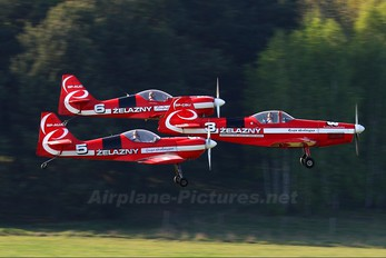 SP - AUA - Grupa Akrobacyjna Żelazny - Acrobatic Group Zlín Aircraft Z-50 L, LX, M series