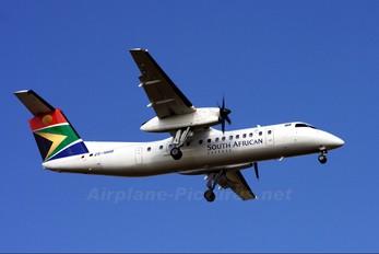 ZS-NMB - South African Express de Havilland Canada DHC-8-300Q Dash 8