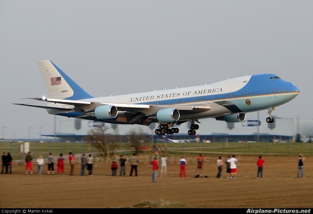 USA - Air Force 82-8000 aircraft at Prague - Václav Havel