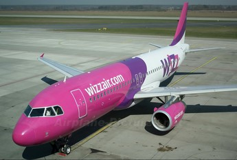 HA-LPH - Wizz Air Airbus A320