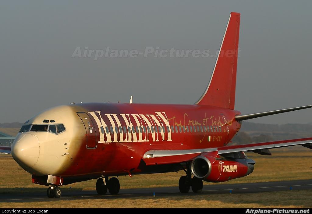 Ryanair EI-CNY aircraft at Prestwick
