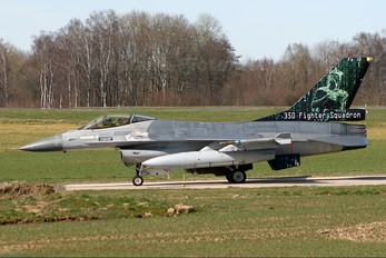 FA-72 - Belgium - Air Force General Dynamics F-16A Fighting Falcon