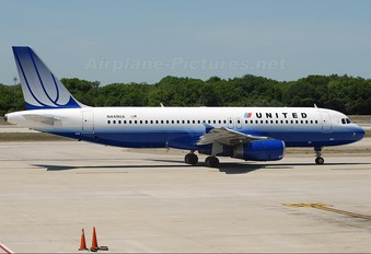 N449UA - United Airlines Airbus A320