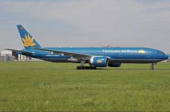 VN-A147 - Vietnam Airlines Boeing 777-200ER