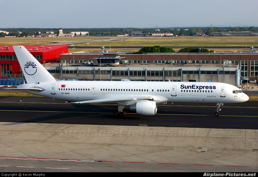SunExpress TC-SNA aircraft at Frankfurt