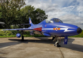 XL572 - Royal Air Force Hawker Hunter T.7