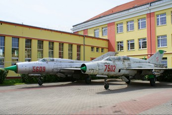 7502 - Poland - Air Force Mikoyan-Gurevich MiG-21MF