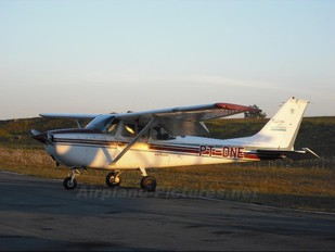 PT-DNE - Private Cessna 172 Skyhawk (all models except RG)