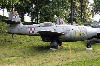 06 - Poland - Air Force Yakovlev Yak-23
