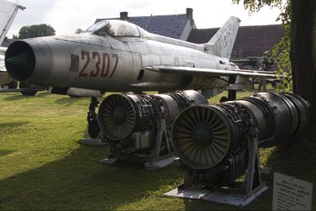 2307 - Poland - Air Force Mikoyan-Gurevich MiG-21F-13
