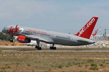 G-LSAC - Jet2 Boeing 757-200