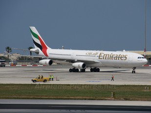 A6-ERQ - Emirates Airlines Airbus A340-300