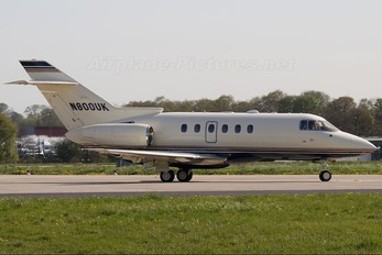 N800UK - Private Hawker Beechcraft 800XP