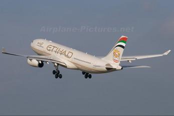 A6-EYF - Etihad Airways Airbus A330-200