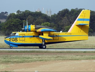 C-FTUW - Private Canadair CL-215