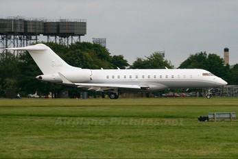 G-LXRS - Private Bombardier BD-700 Global 5000